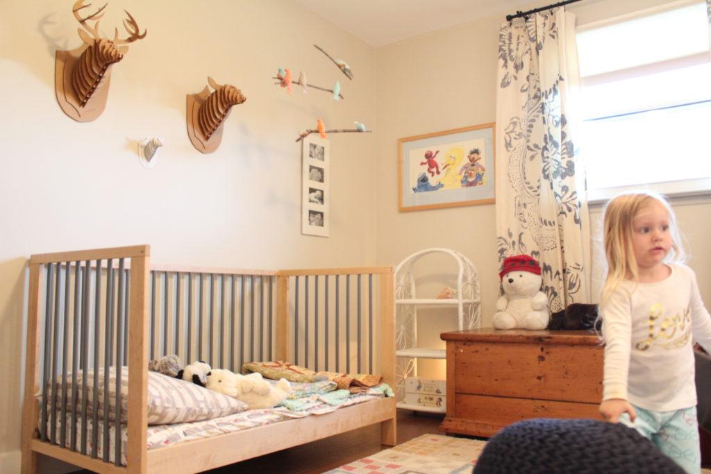 toddler room, crib, blanket box